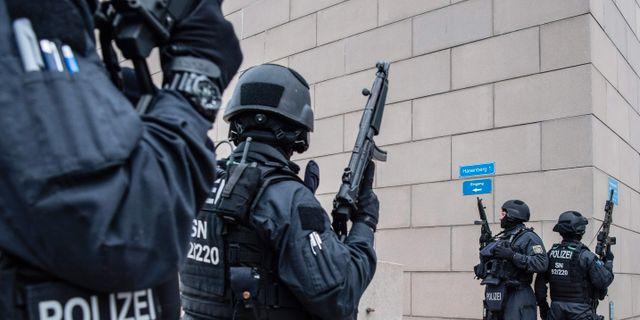 Polisen i Halle ROBERT MICHAEL / dpa