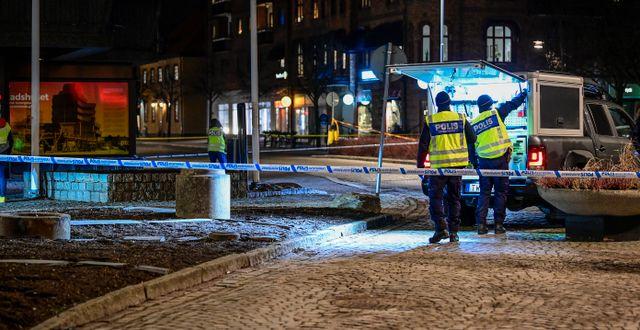 Poliser i Vetlanda.  Mikael Fritzon/TT / TT NYHETSBYRÅN