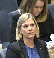 Finansminister Magdalena Andersson (S) i mitten.  Claudio Bresciani/TT / TT NYHETSBYRÅN