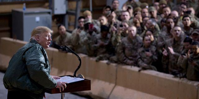 Donald Trump höll tal inför amerikanska soldater i Irak.  Andrew Harnik / TT NYHETSBYRÅN/ NTB Scanpix