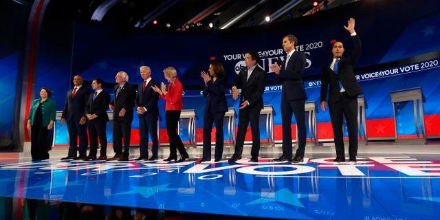 De tio återstående kandidaterna under gårdagens debatt. Eric Gay / TT NYHETSBYRÅN