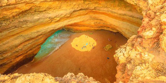 Benagil Cave på Algarvekusten. Istock