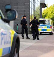Arkivbild. Polis utanför Göteborgs tingsrätt vid tidigare häktningsförhandling i ärendet.  Adam Ihse/TT / TT NYHETSBYRÅN