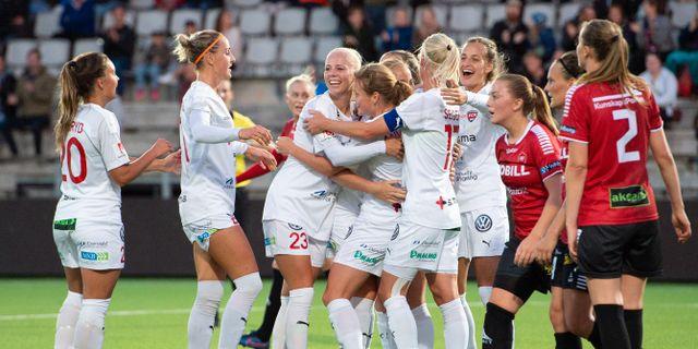 Rosengård jublar efter Anna Anvegårds mål. CHRISTOFFER BORG MATTISSON / BILDBYRÅN