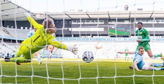 Malmö sätter 2–1 i matchen.  LUDVIG THUNMAN / BILDBYRÅN