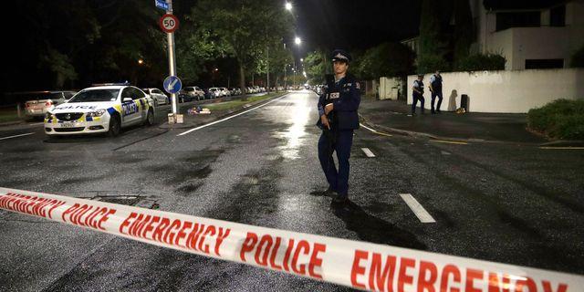 Avspärrningar nära en av de moskéer som angreps på fredagen. Mark Baker / TT NYHETSBYRÅN/ NTB Scanpix