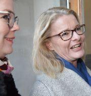 Liberalernas Anna Starbrink (till vänster) och Lotta Edholm (till höger). Anders Wiklund/TT / TT NYHETSBYRÅN