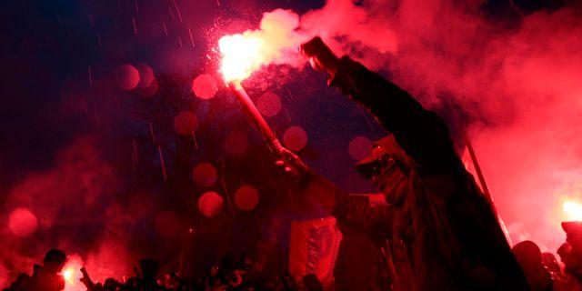 PSG-fans i Paris laddar upp inför kvällens match. GEOFFROY VAN DER HASSELT / AFP
