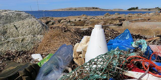 Plast är en av vår tids största miljöbovar.  Håll Sverige Rent