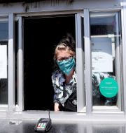 Starbucks-drive thru i Edgewater, Colorado, den 7 april. MATTHEW STOCKMAN / TT NYHETSBYRÅN