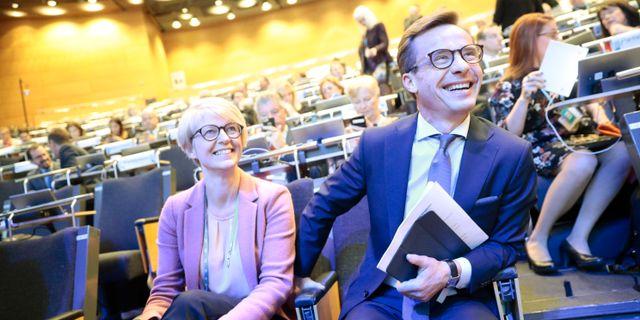 Elisabet Svantesson, ekonomiskpolitisk talesperson och nye partiledaren Ulf Kristersson under Moderaternas arbetsstämma i Örebro i höstas. Kicki Nilsson/TT / TT NYHETSBYRÅN
