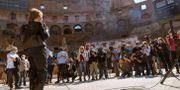 Turistgrupp vid Colosseum.  Domenico Stinellis / TT NYHETSBYRÅN