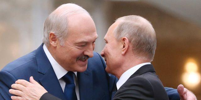 Aleksandr Lukasjenko och Vladimir Putin. Arkivfoto. Tatyana Zenkovich / TT NYHETSBYRÅN