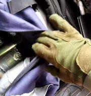 Bild från gärningsmannens egen video visar sprängmedlen. HANDOUT / TWITCH