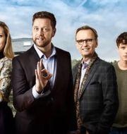Eva Röse, Johan Petersson, Johan Ulveson och Adam Pålsson i Helt perfekt.  Magnus Selander/Kanal 5