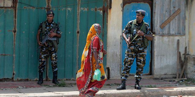 Militär på gatorna efter dåden i Sri Lanka. Eranga Jayawardena / TT NYHETSBYRÅN/ NTB Scanpix