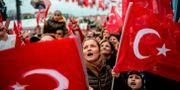 Supportrar till partiet CHP i Turkiet. Arkivbild. YASIN AKGUL / AFP
