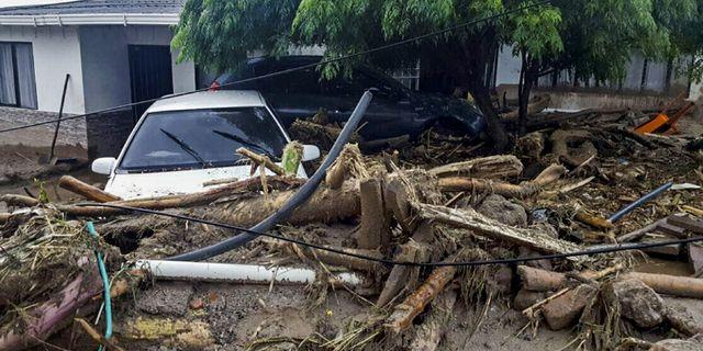 3 000 saknas annu efter jordskred 3