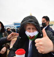 Boris Johnson under  ett besök i Wales. Matthew Horwood / TT NYHETSBYRÅN
