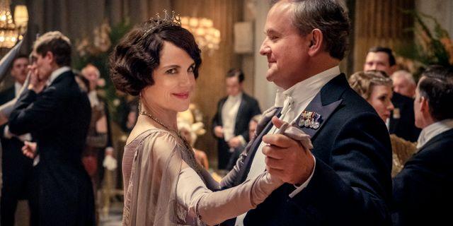 """Elizabeth McGovern och Hugh Bonneville som Lady Grantham och Lord Grantham i """"Downton Abbey"""". Jaap Buitendijk / TT NYHETSBYRÅN"""