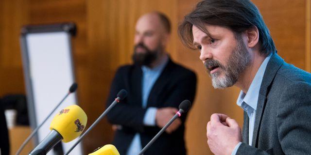 Daniel Suhonen och Markus Kallifatides. Henrik Montgomery/TT / TT NYHETSBYRÅN