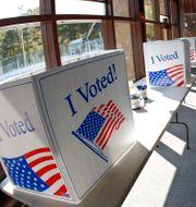 Lådor för så kallade absentee ballots. Keith Srakocic / TT NYHETSBYRÅN
