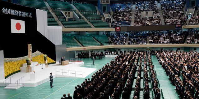 Kejsaren Naruhito håller tal för att högtidlighålla krigsslutet Eugene Hoshiko / TT NYHETSBYRÅN/ NTB Scanpix
