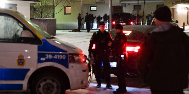Polis efter mordet. Stina Stjernkvist/TT / TT NYHETSBYRÅN