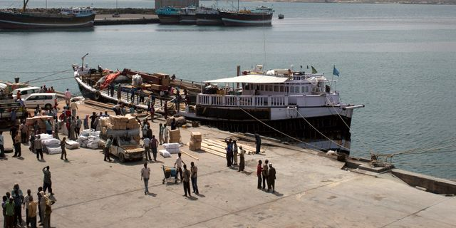 Hamnen i Kismayo. Siegfried Modola / TT NYHETSBYRÅN