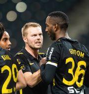 Henok Goitom efter 1–0 målet mot Varberg.  MAXIM THORE / BILDBYRÅN