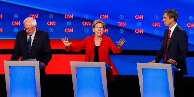 De demokratiska presidentkandidaterna Elizabeth Warren, Bernie Sanders och Beto O'Rourke Paul Sancya / TT NYHETSBYRÅN/ NTB Scanpix