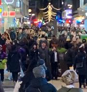 Trängsel i Stockholm/Maria Rotzén Östlund  Norrmalmspolisen på Instagam/TT
