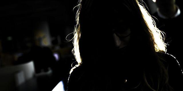 Anonym kvinna, har inte med artikeln att göra. TT