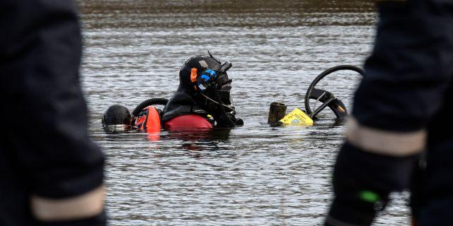 Polisen kommer att genomföra nya dykningar. Bilden är från ett annat tillfälle. Johan Nilsson/TT / TT NYHETSBYRÅN