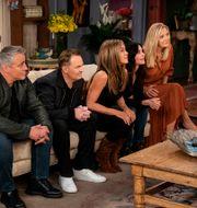 """Matt LeBlanc, Matthew Perry, Jennifer Aniston, Courteney Cox och Lisa Kudrow i tv-serien """"Vänner"""".  TTT NYHETSBYRÅN"""