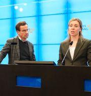 M-ledaren Ulf Kristersson och partiets klimatpolitiska talesperson Jessica Rosencrantz.  Amir Nabizadeh/TT / TT NYHETSBYRÅN