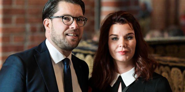 Jimmie Åkesson och Louise Erixon (SD).  Janerik Henriksson/TT / TT NYHETSBYRÅN