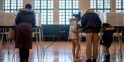 Väljare lägger sina röster i delstaten Michigan. Jake May / TT NYHETSBYRÅN