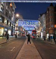 en näst intill shoppinggata i London.  Frank Augstein / TT NYHETSBYRÅN