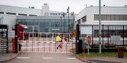 Volvo lastvagnar stänger fabriken i Tuve i två veckor från och med måndag på grund av coronaviruset. Björn Larsson Rosvall/TT / TT NYHETSBYRÅN