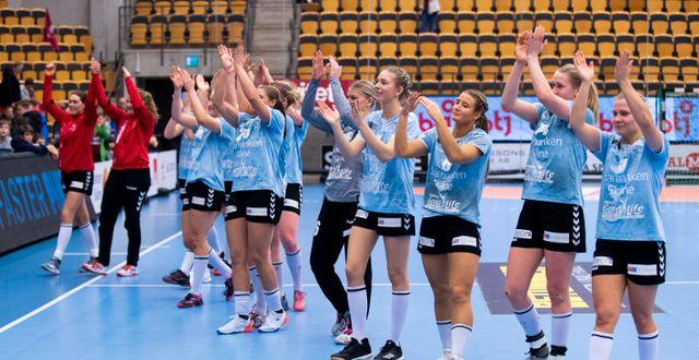 H65 Höörs spelare jublar efter slutsignalen efter en match i februari. AVDO BILKANOVIC / BILDBYRÅN