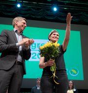 Märta Stenevi mellan de två språkrören Per Bolund och Isabella Lövin. Henrik Montgomery/TT / TT NYHETSBYRÅN