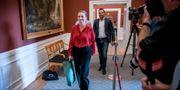 Den nya statsministern Mette Frederiksen på väg in till de avgörande förhandlingarna. Mads Claus Rasmussen / TT NYHETSBYRÅN
