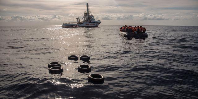 Arkivbild: Migranter på Medelhavet. Olmo Calvo / TT NYHETSBYRÅN/ NTB Scanpix