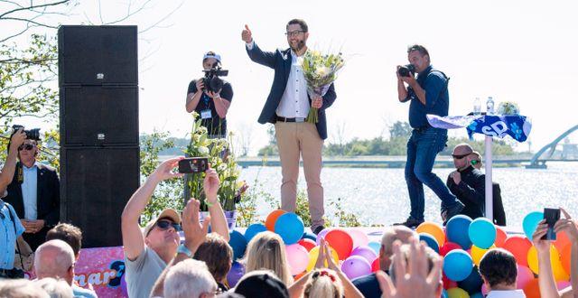 Sverigedemokraternas partiledare Jimmie Åkesson under sitt tal vid partiets sommarfestival på Slottsudden i Sölvesborg i augusti.  Johan Nilsson/TT / TT NYHETSBYRÅN