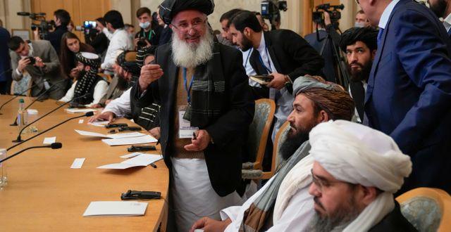 Delar av den talibanska delegationen i Moskva. Alexander Zemlianichenko / TT NYHETSBYRÅN