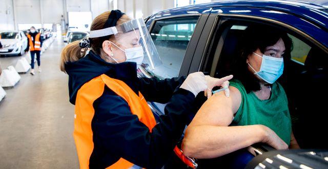 Vaccinering i Saabs gamla bilfabrik i Trollhättan.  Bilden är från 28 april.  Adam Ihse/TT / TT NYHETSBYRÅN