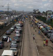 Trafik utanför Lagos i Nigeria. Arkivfoto/Illustrationsbild. Sunday Alamba / TT NYHETSBYRÅN