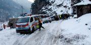 En ambulans i ett av de drabbade områdena. M.D. Mughal / TT NYHETSBYRÅN