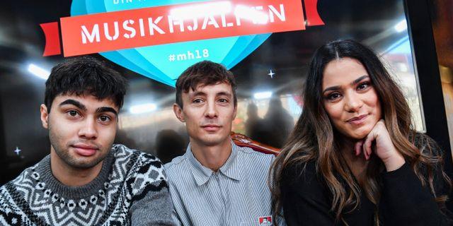 Årets programledare för Musikhjälpen: William Spetz, Daniel Adams-Ray och Farah Abadi. Johan Nilsson/TT / TT NYHETSBYRÅN